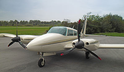 Piper PA-30 with 3-blade MTV-12