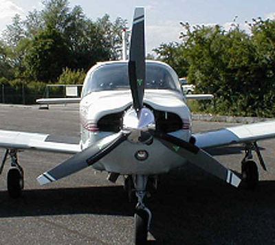 Piper PA-32 with 3-blade MTV-9